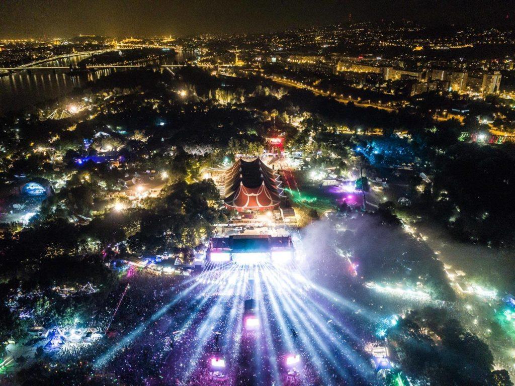 A Sziget látképe a magasból.  Forrás: thegroovecartel.com